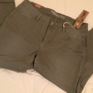 Hippie Laundry mud rise skinny in Sz 18